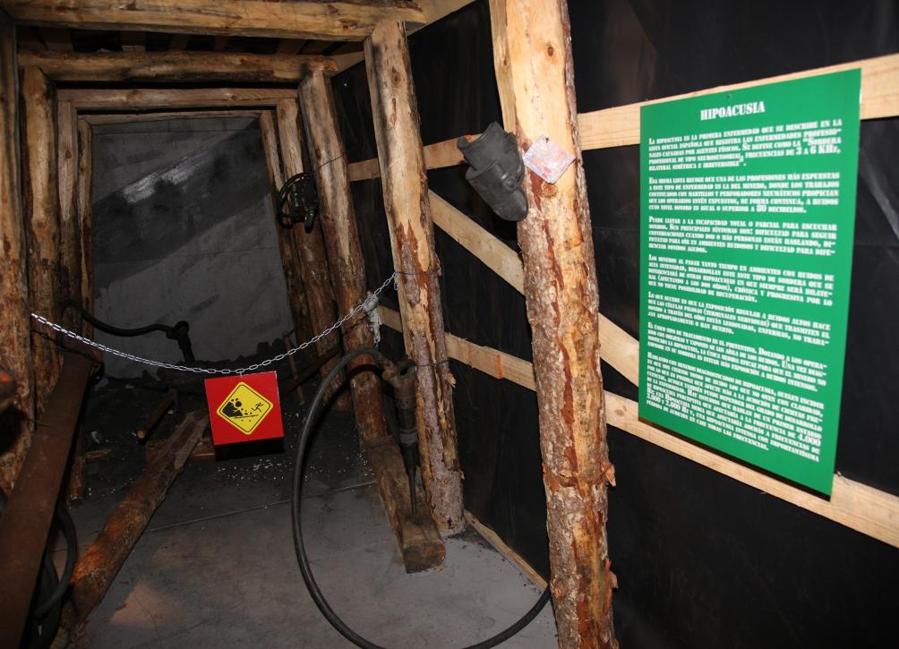 """Exposición: """"Danger: Peligro en la mina II"""""""